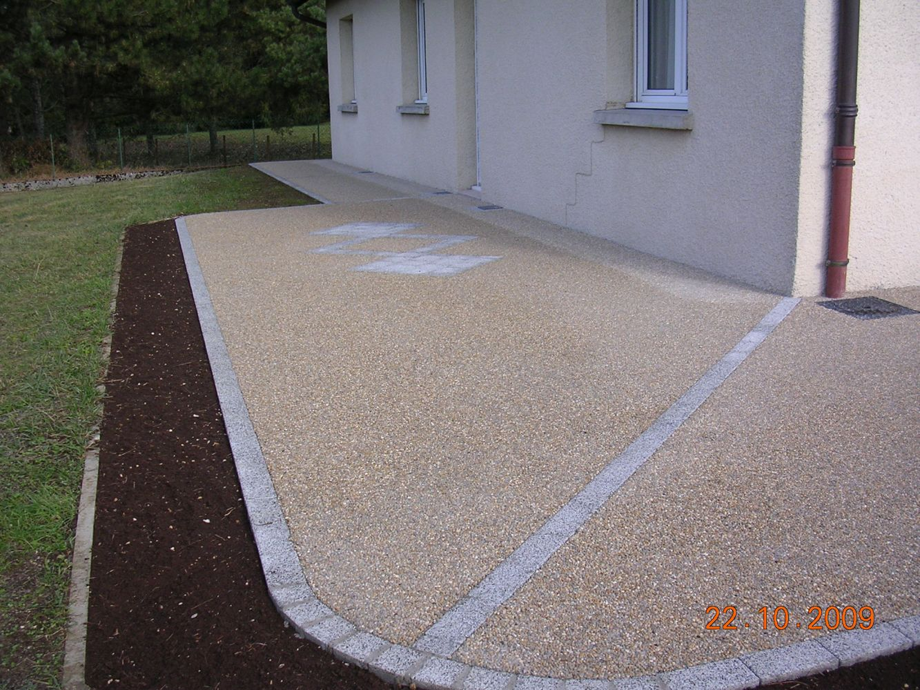Am nagement de terrasse cuinet am nagement ext rieur - Pochoir pour terrasse beton ...