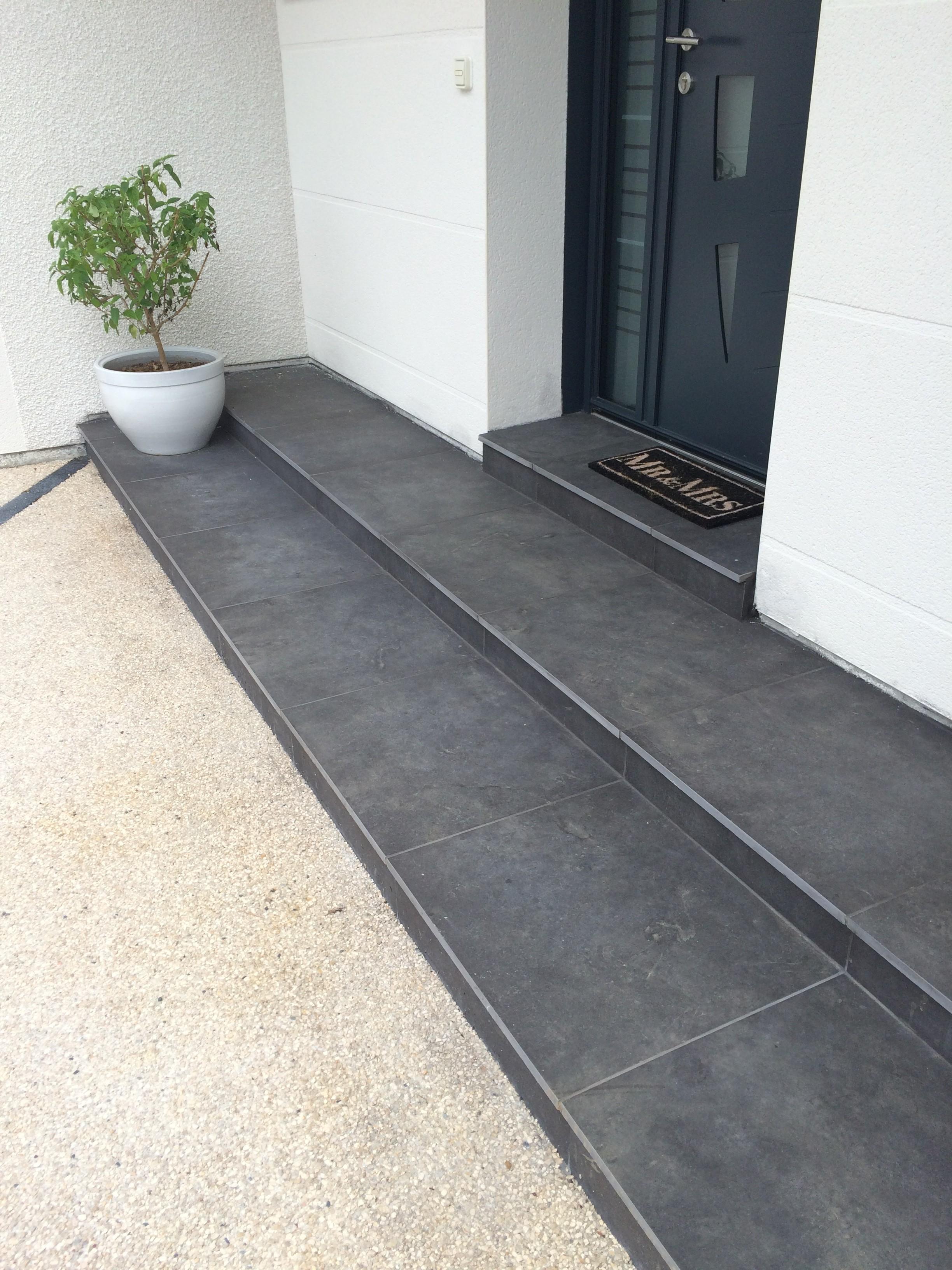 Escalier ext rieur cuinet am nagement ext rieur for Habillage marche escalier beton exterieur