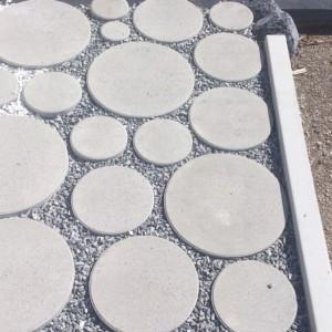 éléments béton permettant de réaliser des parkings perméables réalisé par l'entreprise CUINET basée à Tarcenay vers Besançon dans le Doubs