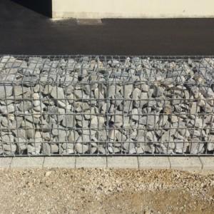 gabion grillagé 50*50*200 cm réalisé par l'entreprise CUINET basée à Tarcenay vers Besançon dans le Doubs